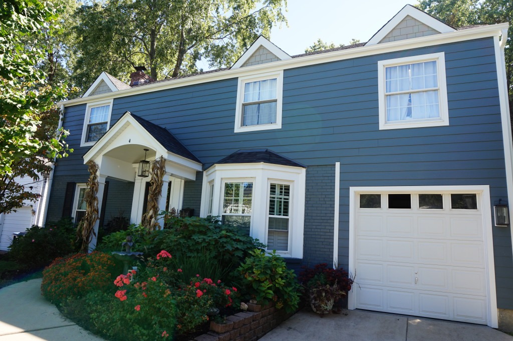 Evening Blue James Hardie Siding Navajo Beige Dormers Straight Edge James Hardie Shake